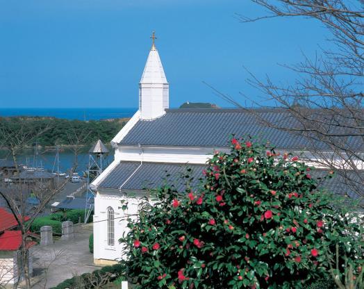 Mizunoura Church & Camellia