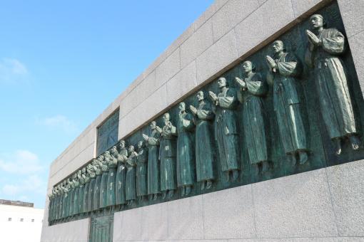 Twenty-Six Martyrs Monument 2