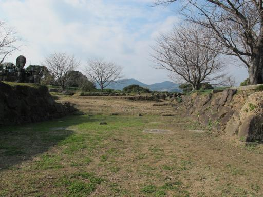 Hara Castle Ruins - Honmaru Otemon-Ato