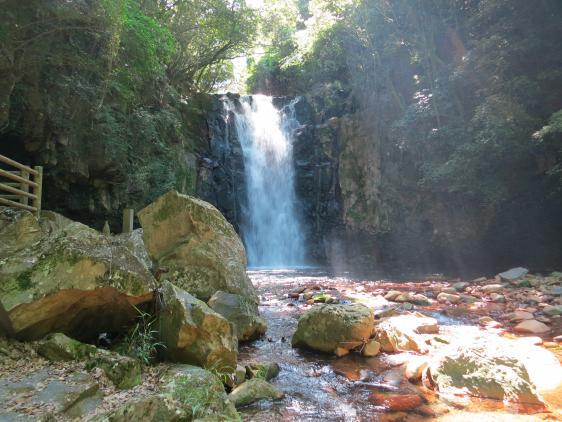Tonosumi-no-Taki (Waterfall)
