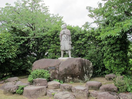Hara Castle Ruins - Statue of Amakusa Shiro 2